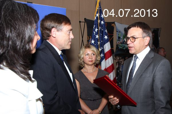 2013-07-04 cherepanov mixail prishel k konsulu ssha