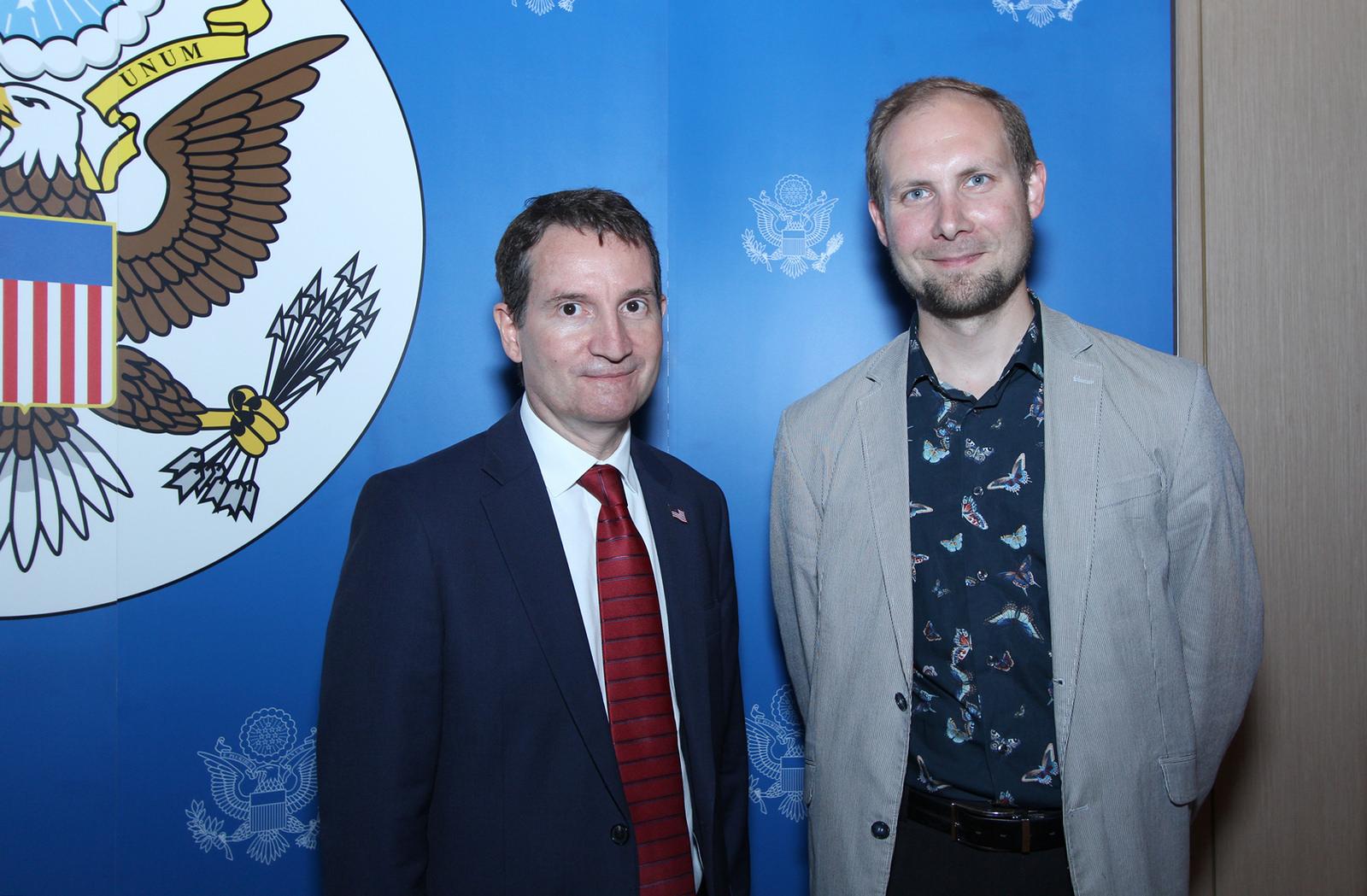 генеральный консул США в Екатеринбурге Отто Ханс ван Маерссен и Дмитрий Москвин