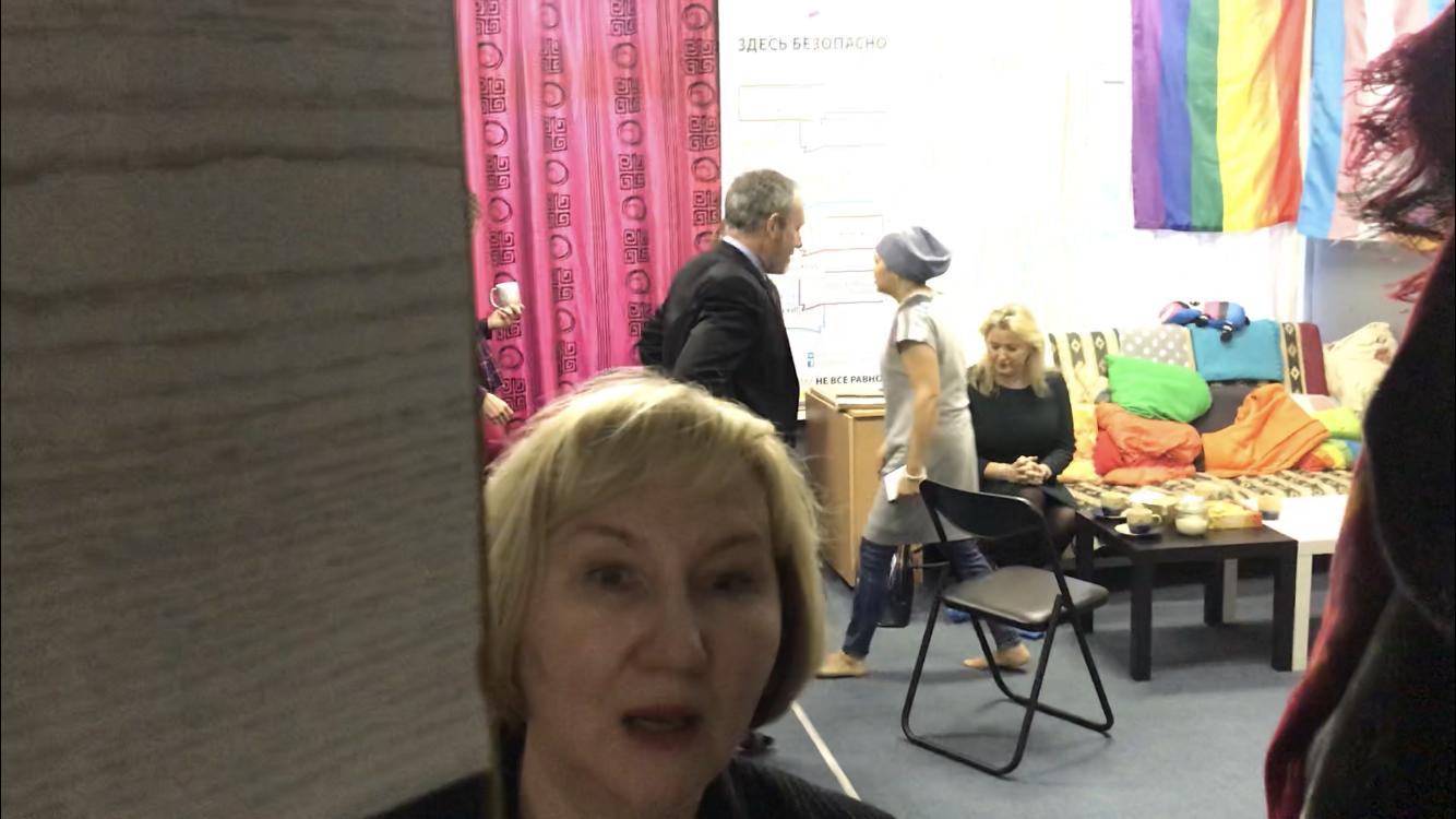 Заместитель посла Великобритании в России Линдси Сколл и старший консультант по связям с общественностью генерального консульства Великобритании в Екатеринбурге Елена Чеснокова