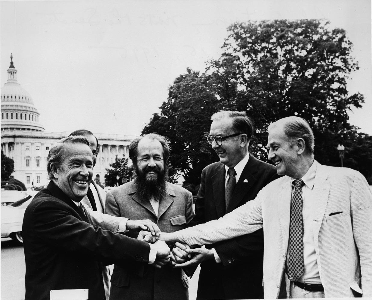 Солженицын: будет на вас Трумен!