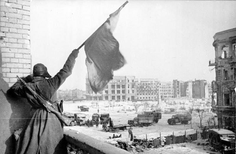 31 yanvarya 1943 goda v stalingrade kapitulirovala yuzhnaya gruppirovka nemecko-fashistskix vojsk