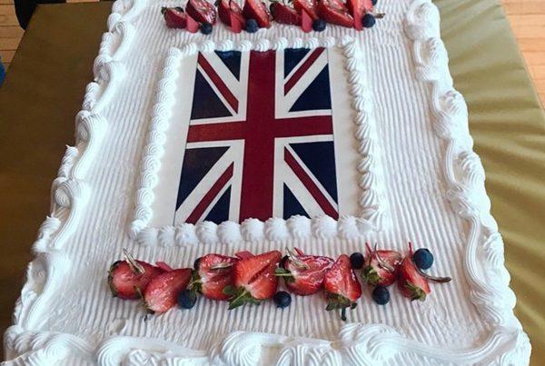 Генеральное консульство Великобритании в Екатеринбурге отметило день рождения английской королевы в Хаятте