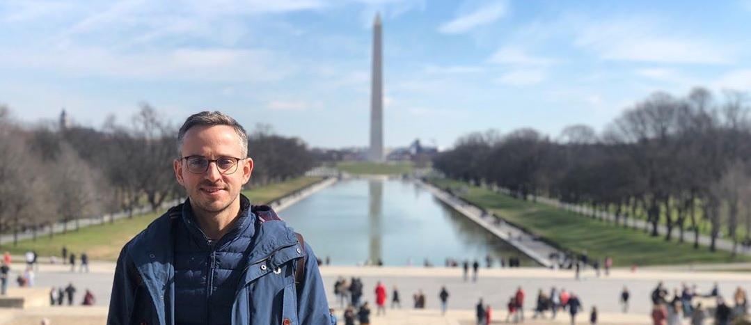 Госдеп США прокачивает главного редактора Znak.com Дмитрия Колезева в Вашингтоне