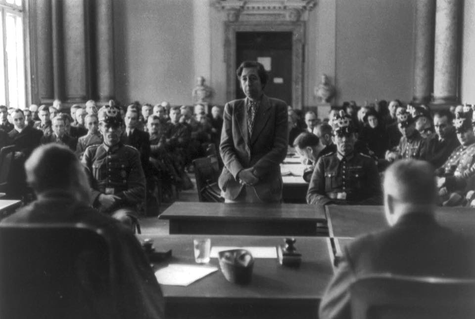 30 ноября 1944 года в Германии берлинский юрист Элизабет Глёден, а также Эрих Глёден и Элизабет Кузницки были казнены на гильотине.