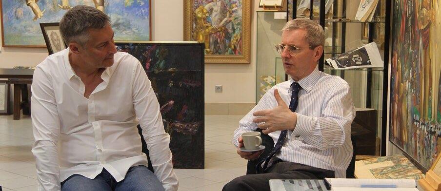 Посол Великобритании в России встретился с Евгением Ройзманом и другими агентами влияния