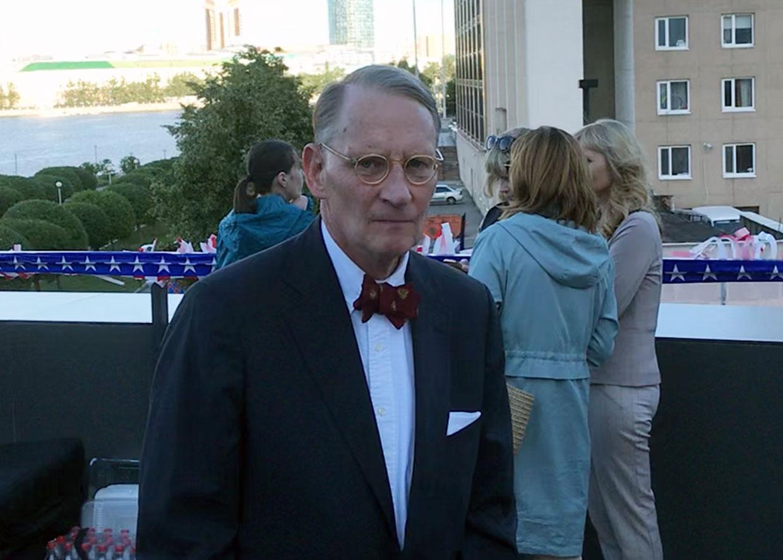 Генеральный консул США в Екатеринбурге Пол Картер на праздновании 25-летия подрывной работы Соединенных Штатов на Урале