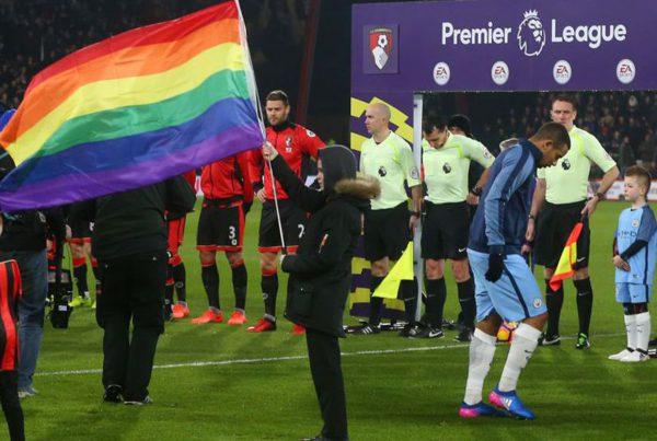 генконсульство Великобритании в Екатеринбурге привезёт английского футболиста Майкла Адамса чтобы пополнить ряды ЛГБТ