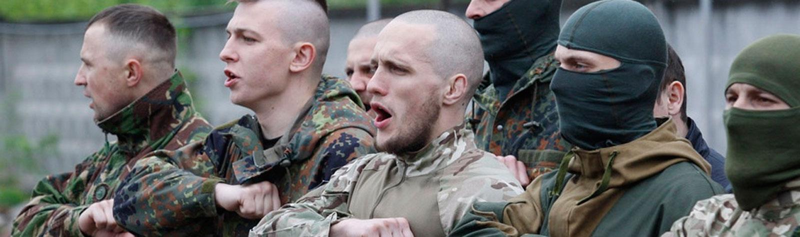 О том, как фото бойцов Азова возбуждают модераторов Facebook