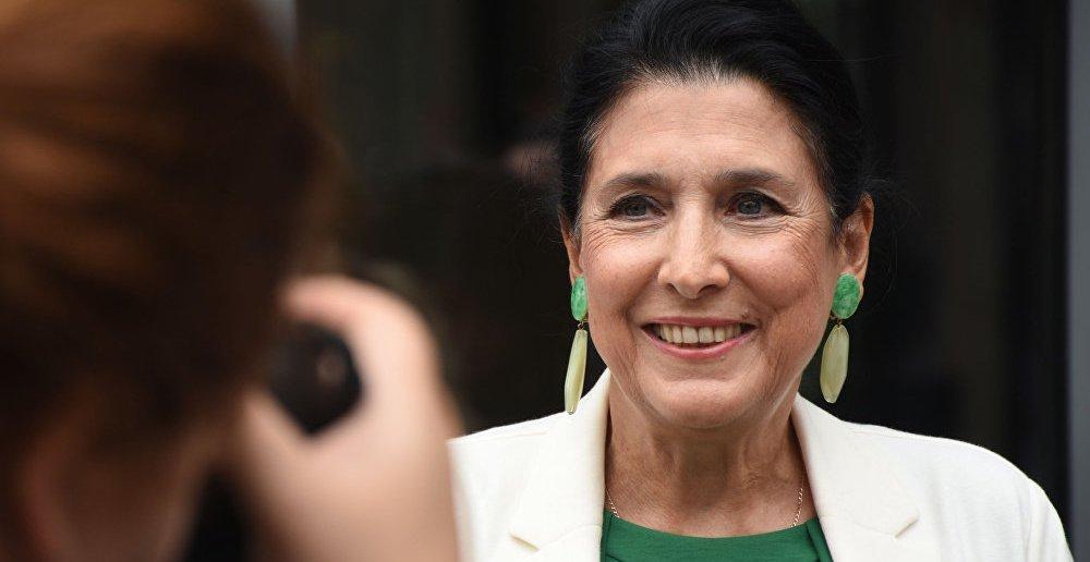 «Зато не рабы»: Президентом Грузии стала экс-сотрудница МИД Франции Саломе Зурабишвили из белоэмигрантско-власовских кругов
