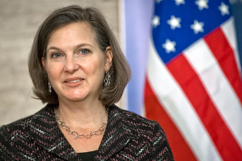 Виктория Нуланд, жена Роберта Кагана, 18-й представитель США в НАТО (2005-2008 гг.), официальный представитель Госдепа США (2011-2013 гг.).